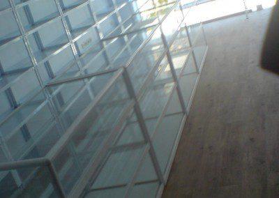 izlojbeni vitrini